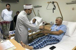 Erbaş, Diyanet Mekke Hastanesi'ni tedavi gören hacı adaylarını ziyaret etti