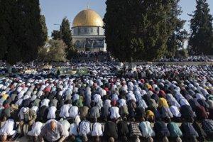 İşgalci İsrail, yine bir bayram sabahı Mescid-i Aksa'ya saldırdı