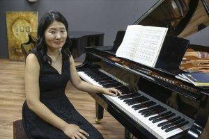 Güney Koreli piyanist Sook Tekin, kariyerini Türkiye'de sürdürüyor