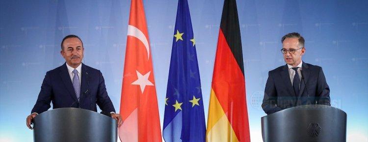 Bakan Çavuşoğlu: Almanya'nın seyahat uyarısını gözden geçirmesi gerekiyor