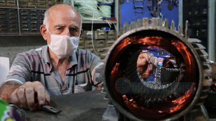 73 yaşındaki Siirtli bobinaj ustası mesleğini 55 yıldır sürdürüyor