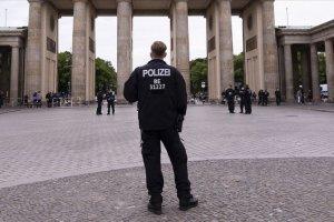 Almanya'da güvenlik birimlerinde 350'den fazla aşırı sağcı şüpheli vaka
