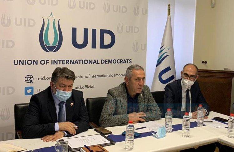 UID Genel Başkanı Köksal Kuş, Düsseldorf şube teşkilatı ile bir araya geldi