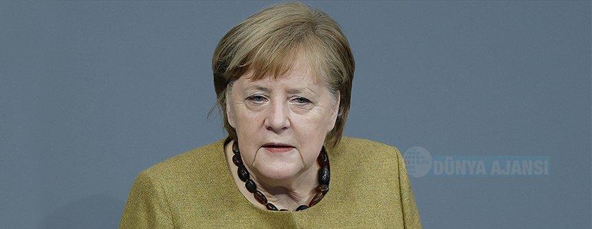 Merkel, ayrımcılık ve ırkçılığa karşı mücadelede yapılması gereken çok şey var