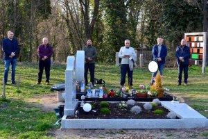 DİTİB gönüllüleri Fürth mezarlığının temizlik ve bakımını üstlendi