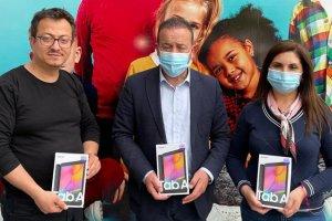 Avrupa Denizlililer Derneği'nden öğrencilere tablet hediye edildi