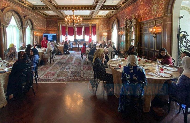 Türkiye'nin Washington Büyükelçiliği'nde ABD'deki Müslüman kadın liderler ağırlandı