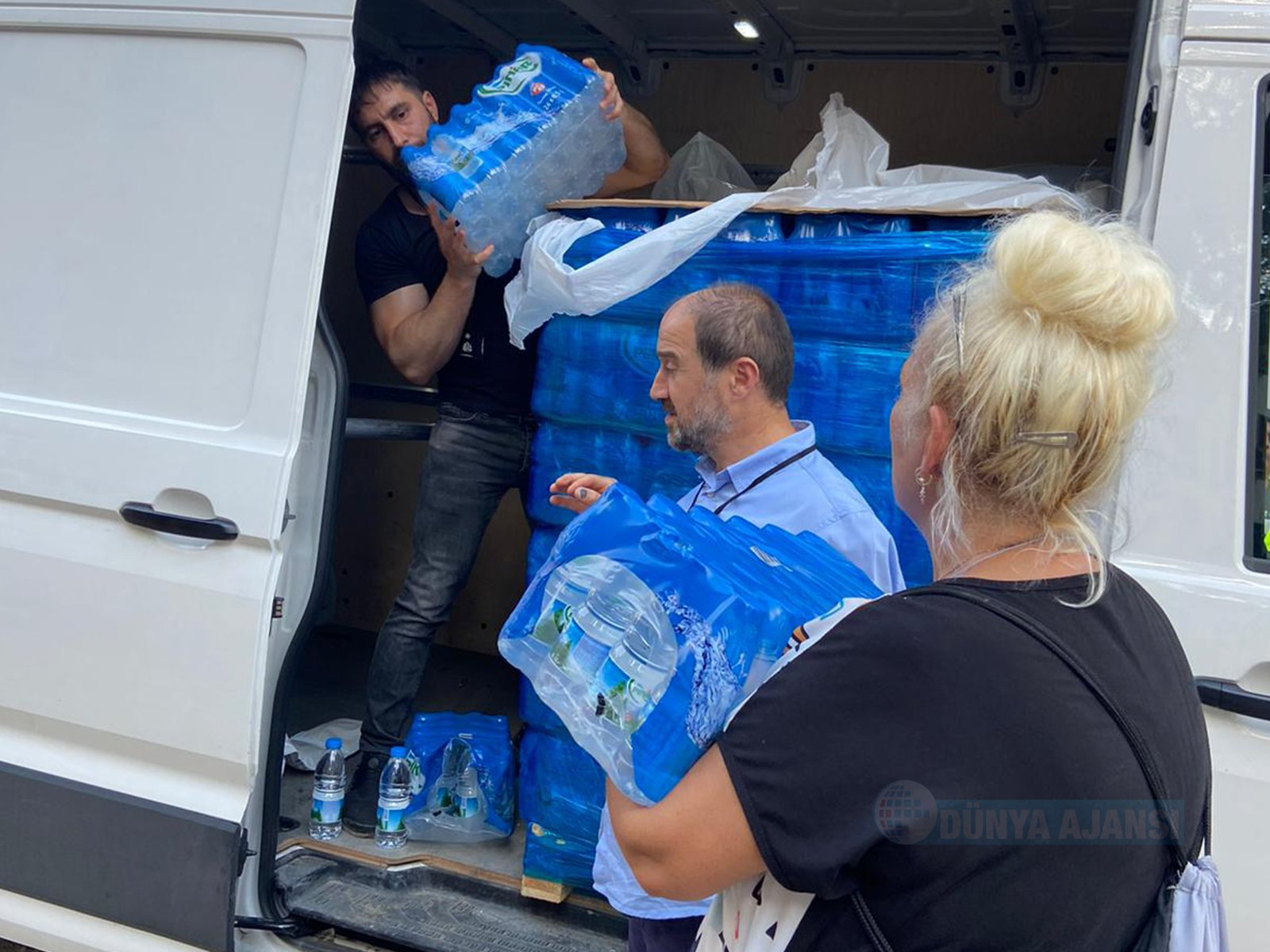 DİTİB'den sel mağdurlarına yardım eli