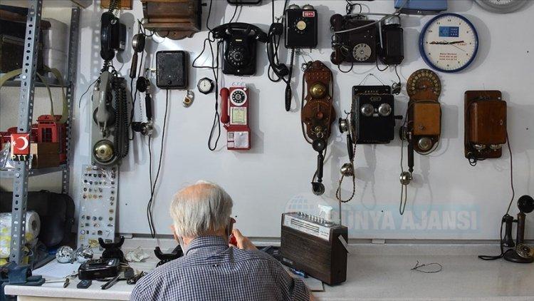 PTT emeklisi biriktirdiği 'antika' telefonları müzede sergileyecek