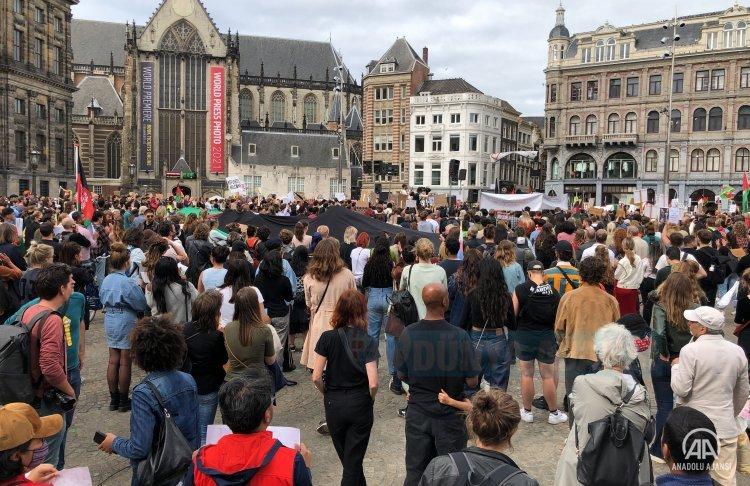 Amsterdam'da Afganistan'daki sivillere destek gösterisi