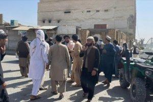 Afganistan'da camiye yapılan bombalı saldırıda onlarca kişi hayatını kaybetti